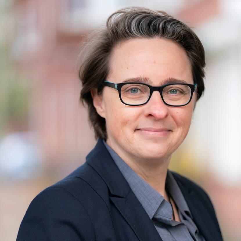 Mw. prof. dr. B. (Bibi) van den Berg